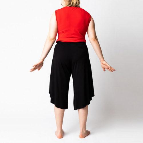 Mustat naisten Rebekka housut ompelukaava