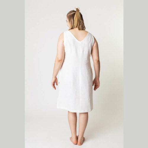 Elina mekon ompelukaavassa on avara V-pääntie ja takakappaleella on myös V-pääntie.