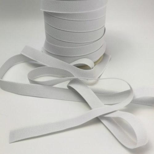 Kuminauha luonnon kumia ja lanka polyesteriä 20 mm