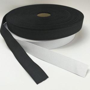 Kuminauha luonnon kumia ja lanka polyesteriä 30 mm