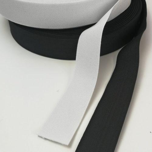 Kuminauha luonnon kumia ja lanka polyesteriä 40 mm