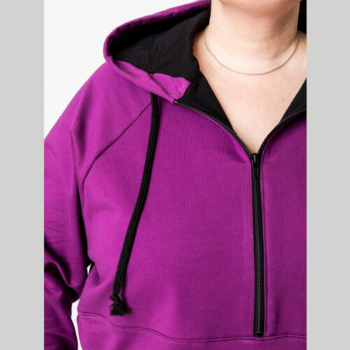 Seija hupparimekon ompelukaavassa on vetoketju etukappaleen yläosassa. Vetoketjun pituus on kaikkiin kokoihin 30 cm