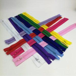 Vetoketju 40 cm, useita värejä