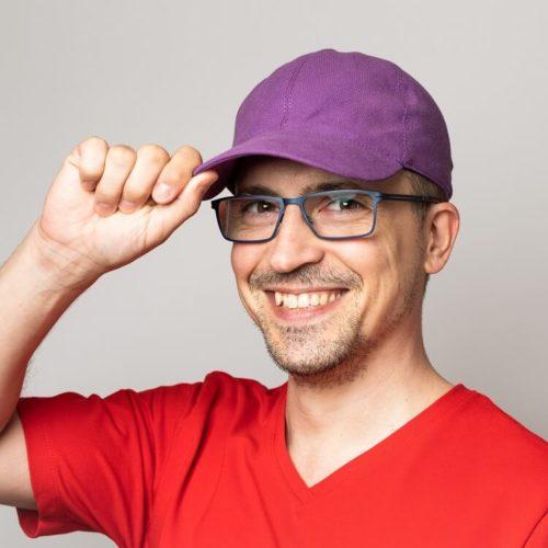 Lippiksen ompelukaava on aikuisille sopiva hattukaava