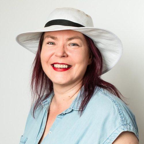 Sahramililja hatun ompelukaava kesähatuksi aikuiselle