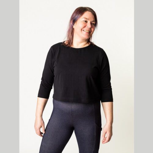Naisten lyhyt paita ompelukaava edestä