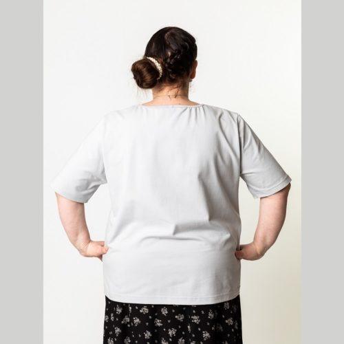 Naisten paidan ompelukaava, jossa on lyhyt hiha