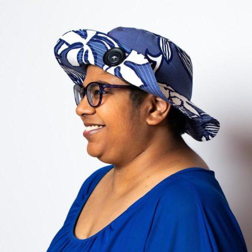 Sahramililja hatun ompelukaava lieri kiinnitetty napilla