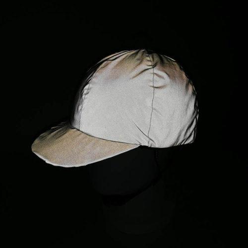 Heijastinlippis kypärään