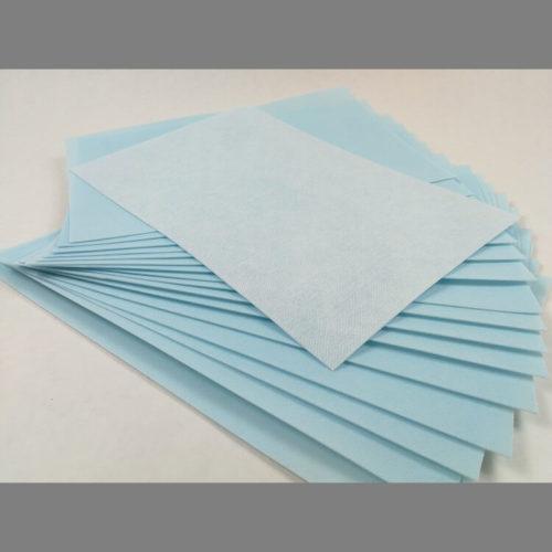 Cover blue kovikelevy sopii käytettäväksi kenkien kärki- ja kantakovikkeena tai kovikkeeksi kukkaroon, pieneen purkkkin tai naamariin.