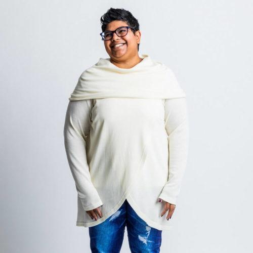 Voit tehdä puseron kauluksella tai ilman. Pitkät hihat sekä 3/4 hihat