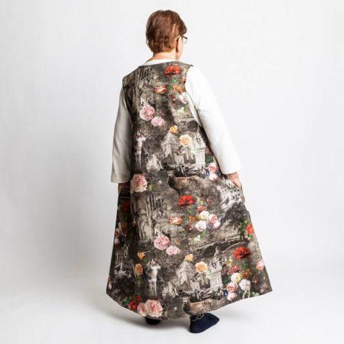 Fanny mekon ompelukaavassa on kellotusta helmassa