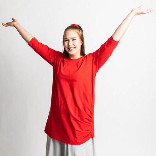 Saga puseron ompelukaavassa on pitkät että 3/4 hihat