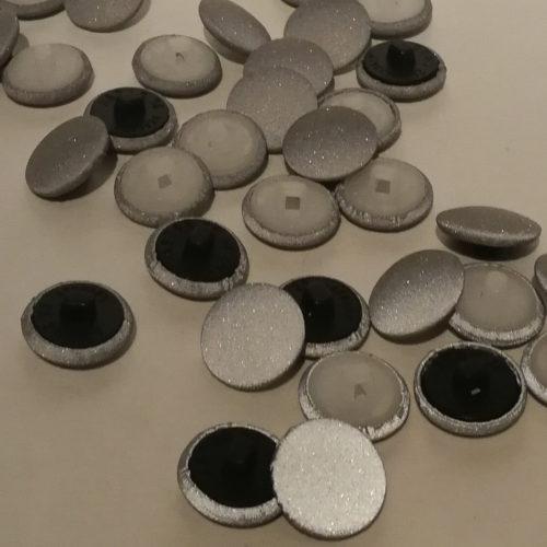 Heijastava nappi valmistettu suomessa heijastin vaatteisiin
