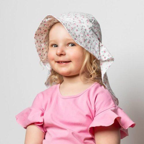 Perhoakileija kesähattu ompelukaava lapselle