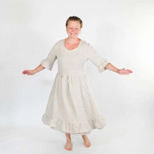 Lilli mekon ompelukaavassa hihat on kolmessa eri pituudessa: T-paita, 3/4 osa ja pitkät hihat.